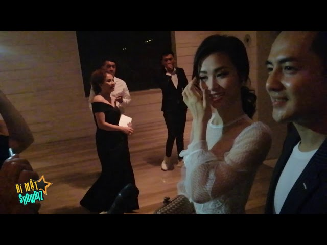 [8VBIZ] - Đông Nhi, Ông Cao Thắng bỏ chạy khi được hỏi chuyện kết hôn