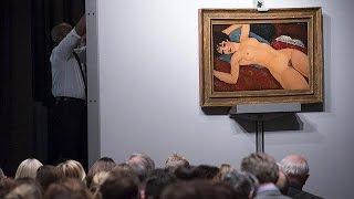 تابلوی «برهنه خوابیده بر کوسن آبی» ۱۷۰ میلیون دلار به فروش رفت