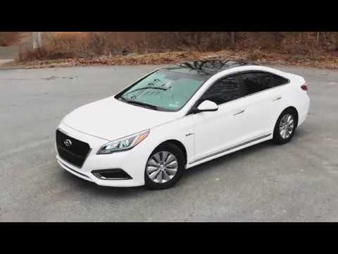 That's why 2017 Hyundai Sonata Hybrid  is the best and  affordable mid-size sedan under $20.000