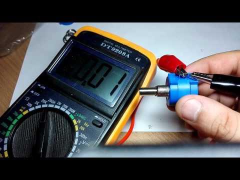 Многооборотный потенциометр (переменный резистор).