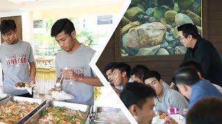 """#แคมป์เอสซีจี : มื้อเที่ยงแสนอร่อย ณ แคมป์เอสซีจี """"ฝ่ายบริหารเข้ามาร่วมทานอาหารด้วยกันที่แคมป์ """""""