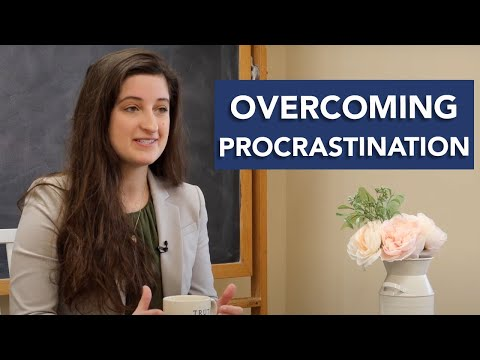 Overcoming Procrastination | 5 Challenges Freshmen Face Series w/ Maribeth Kelly