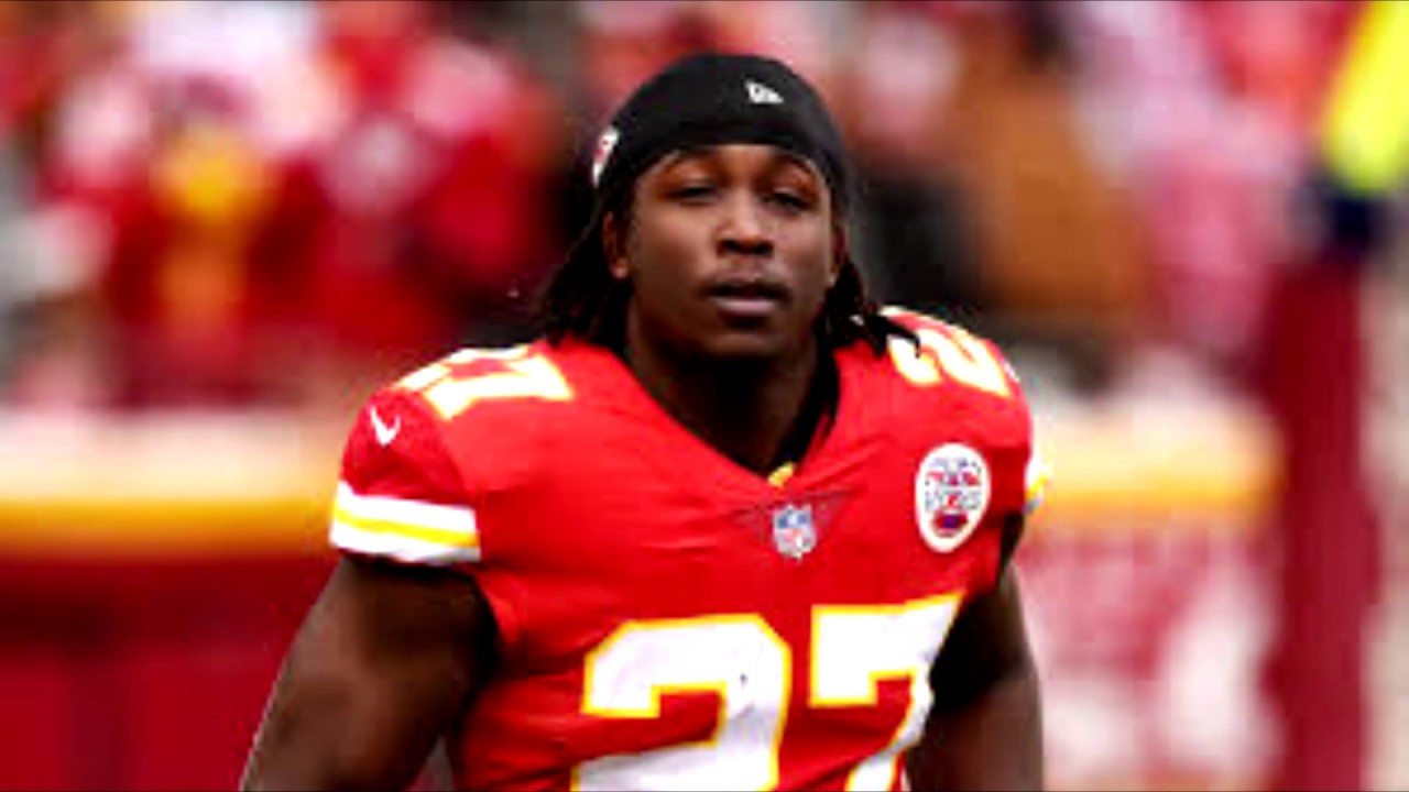 Cleveland Browns Sign Kareem Hunt