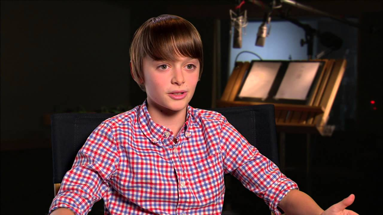"The Peanuts Movie: Noah Schnapp ""Charlie Brown"" Behind The"