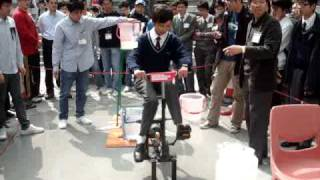 青少年發明家比賽2010 脚踏水泵示範