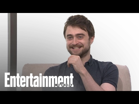 Harry Potter: Daniel Radcliffe Reveals Who Thought Fawkes Was Real & More | Entertainment Weekly
