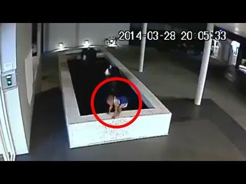 Dramatis, Detik Detik Bayi Tenggelam Ketika Bermain di Kolam Terekam CCTV, Orang Orang Pada Kemana ?