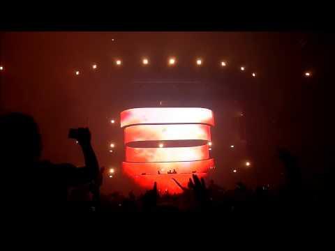 Swedish House Mafia - Michael Calfan - Resurrection (Axwell's Recut Club Version) Live @ Ziggo Dome