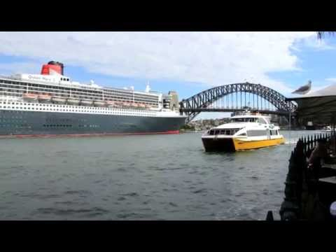 Cunard Queen Mary 2 QM2 In Sydney Australia - Plus Sail Out