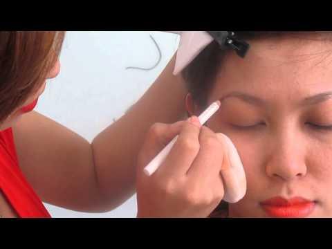 Hướng dẫn Vẽ chân mày cong - Khoa Công nghệ chăm sóc sắc đẹp - Đại học Nguyễn Tất Thành