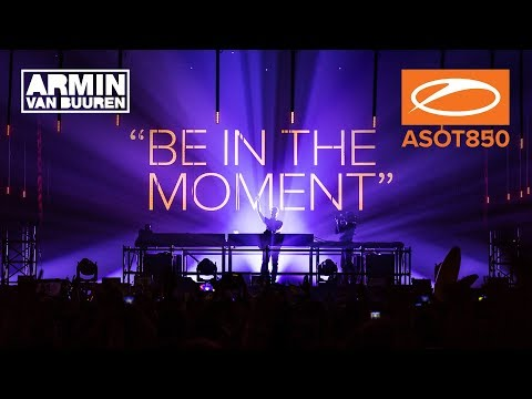 Armin van Buuren's warm-up set live at A State Of Trance 850