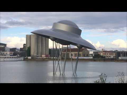 Inauguration de la soucoupe volante de Juppé
