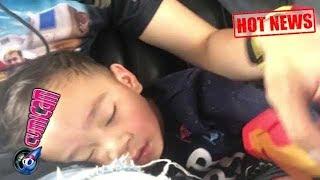Hot News! Naik Helikopter, Rafathar Tidur Sambil Pegang Ini - Cumicam 20 Agustus 2017