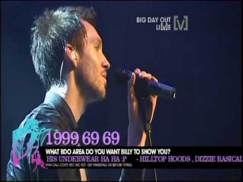 Download Youtube: Calvin Harris - I'm not Alone (Live Big Day Out 2010 Sydney)