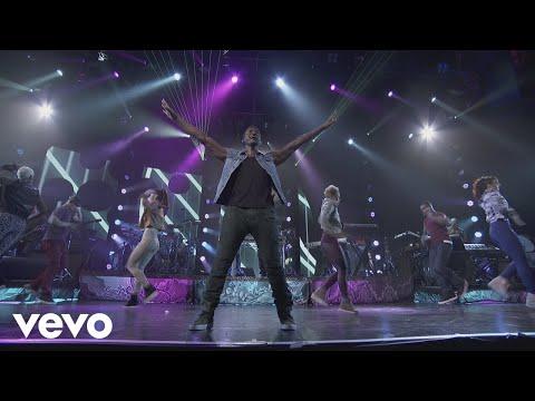 Usher - DJ Got Us Fallin' In Love (Live from iTunes Festival, London, 2012) ft. Pitbull