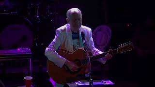 "Michael Nesmith performs ""Different Drum"" at The Troubadour in Los ..."