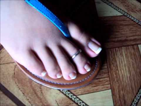 Thong Sandals / french pedicure / toering / piecitos / anklets  por CamilaMercedes
