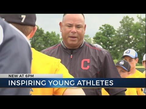 Carlos Baerga helps teach baseball skills at Olentangy High School