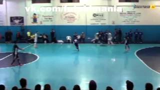Комбинация - футзал мини-футбол futsal skills goal tricks(Больше интересных фото и видео о футболе, футзале и пляжном футболе вы найдете в нашей группе - vk.com/futsalmania..., 2014-10-11T15:35:13.000Z)