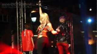 2NE1 - I AM THE BEST Live at Clarke Quay, Singapore [Fancam] | SUPERADRIANME.com