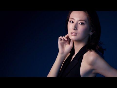 """北川景子、""""美素肌""""披露で色っぽく ホルターネックで大胆肩出し"""