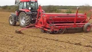 McCormick CX 105 traktor IH 6200 vetőgéppel vet