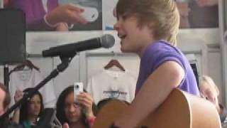 "Justin Bieber Sings ""One Time"" Live!"