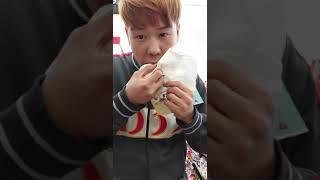 세븐일레븐에서 불고기앤참치 김밥 먹방 천기92 bw c…