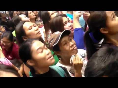 KIM CHIU IN CITYMALL AKLAN 12/4/16 SINGING MR.RIGHT