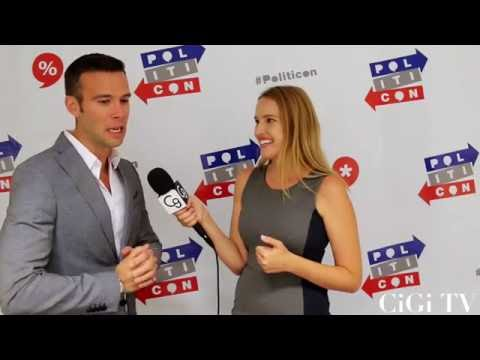 Jon Favreau Reminisces About Working with President Obama at Politicon!!