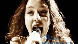 Nil Karaibrahimgil-Akbaba-İçinden Rakı Geçen Şarkılar.wmv