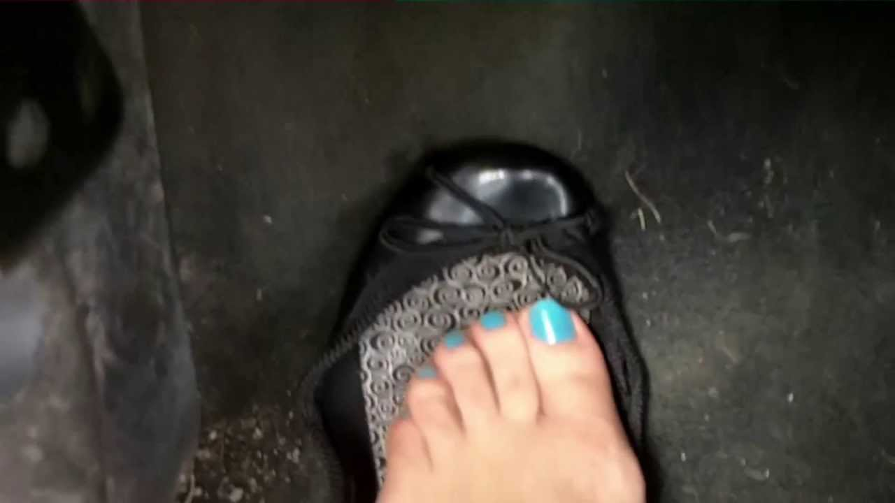 Low cut flats & sweaty nylon feet