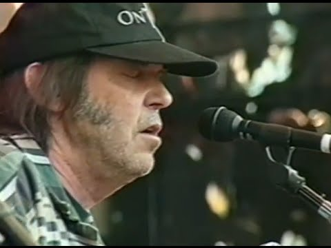 neil-young-long-may-you-run-10-18-1997-shoreline-amphitheatre-official-neil-young-on-mv