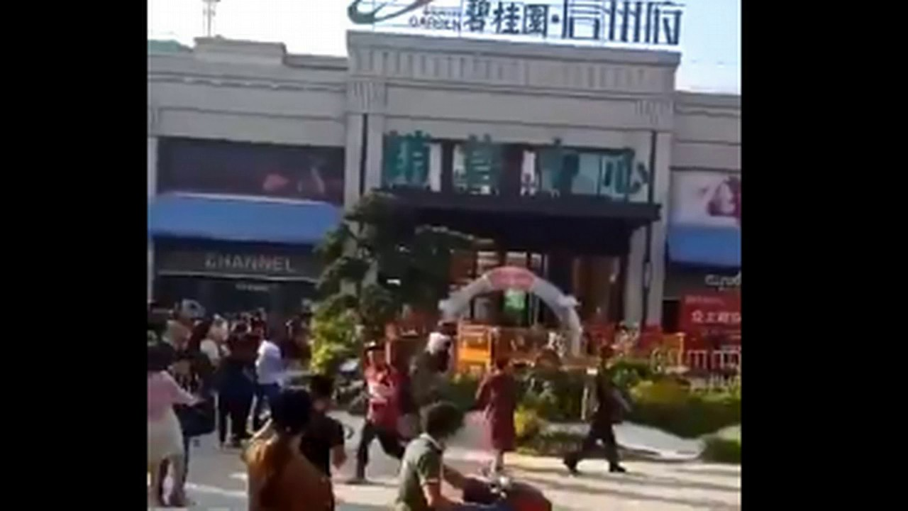 chinese-residents-erupt-in-anger-after-home-prices-slide