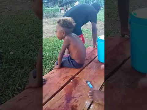 mob papua. anak kecil ni paling lucu.