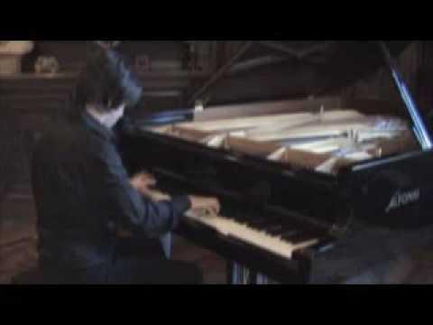 Michelangelo Carbonara plays Scarlatti Sonata k82