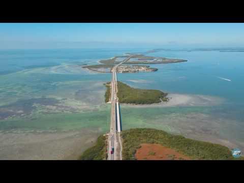 Bird's-eye view of the overseas highway @ Key West, Florida