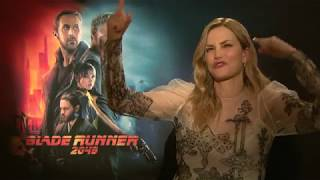 Video BLADE RUNNER 2049 Sylvia Hoeks Interview - spricht deutsch - speaks german LUV best scene download MP3, 3GP, MP4, WEBM, AVI, FLV Oktober 2017