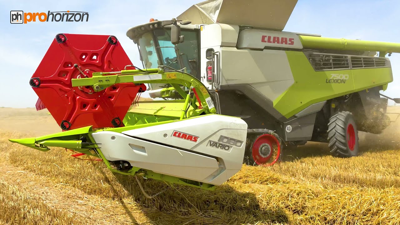 HARVEST 2021 NEW CLAAS 7500 LEXION COMBINING WINTER BARLEY
