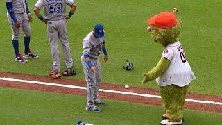Jose Bautista vs. Astros' mascot Orbit