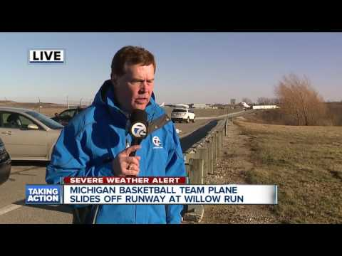 Michigan basketball team plane slides off runway at Willow Run
