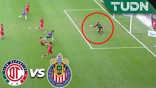 ¡Atajadón de Talavera! Le dice no a Chofis | Toluca 1 - 2 Guadalajara | Liga Mx - AP 19 - J17 | TUDN