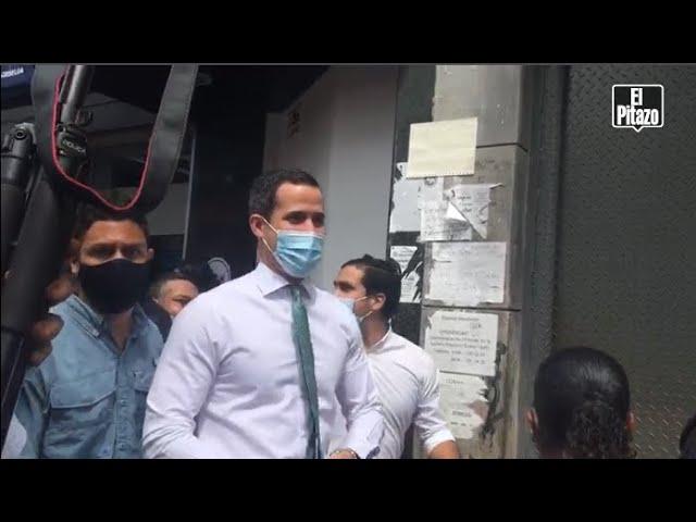 Guaidó realizó caminata en Sabana Grande para promover la consulta popular