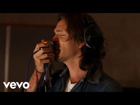 Incubus - Friends and Lovers (Video - Live In Studio)