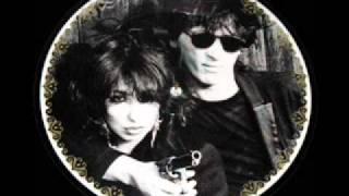 Johnny Thunders & Patti Palladin - LOVE IS STRANGE