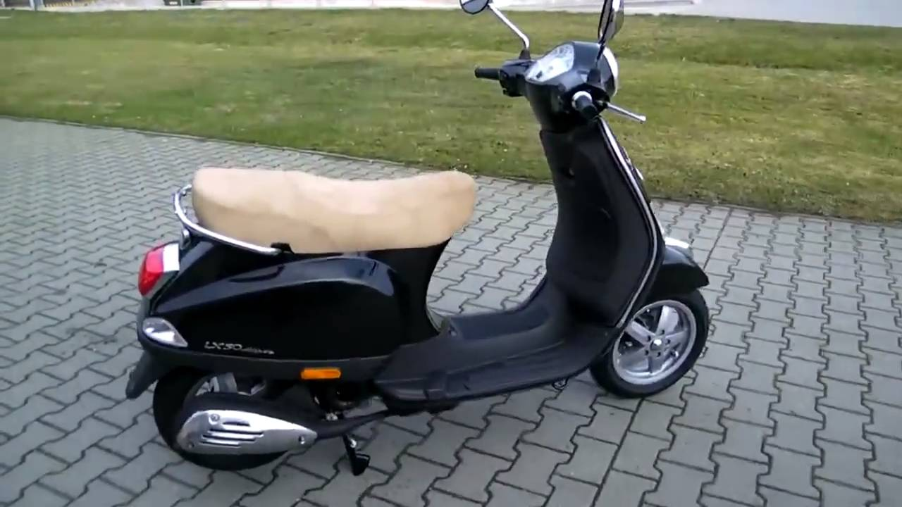 vespa lx 50 4t 2010 schwarz roller youtube. Black Bedroom Furniture Sets. Home Design Ideas