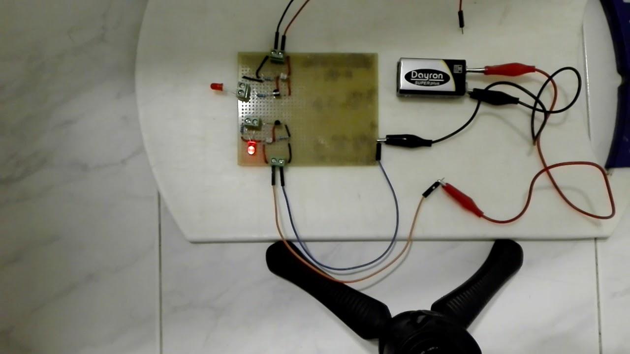 Circuito Ldr : Circuito que enciende un led cuando el fotorresistor ldr detecta