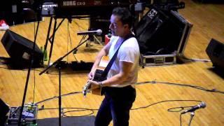 Bruce Springsteen sings his original birthday song