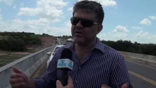 A pedido da vereadora Lívia, Deputado Leonardo Pinheiro assegura ambulância para Limoeiro do Norte