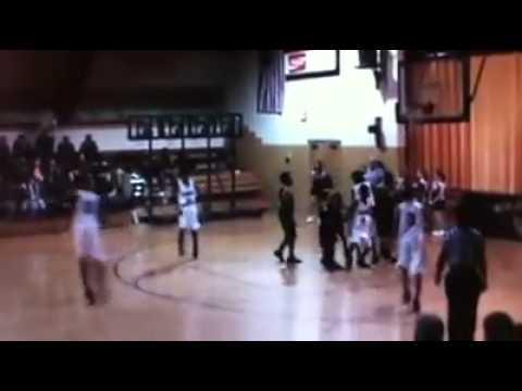 Rison High School FRESHMAN Chris Leaks dunks.